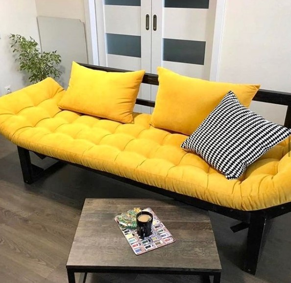 instagram sofa